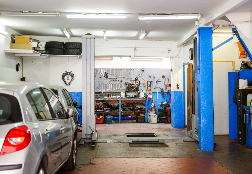Three Oaks Garage